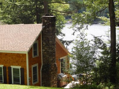 Quintessential New England Lake Front Cottage