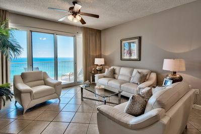 Gorgeous ocean views from inside!  Right on the water!