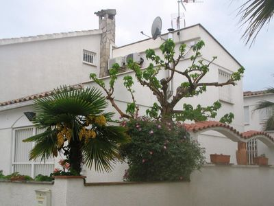 Photo for Holiday house Empuriabrava for 4 - 7 persons with 3 bedrooms - Holiday house