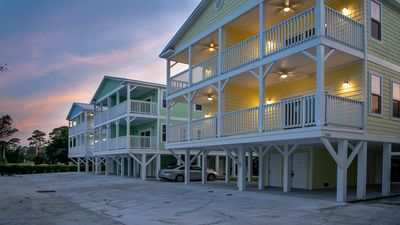Brand New (built in 2018) Gorgeous 3-BR, 3-Bath House- Steps to the Beach