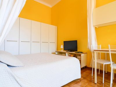 Photo for Spacious Monolocale Garibaldi apartment in Bellagio with WiFi & air conditioning.