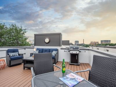 Photo for Pearl Townhome w/ Rooftop Deck and Community Pool