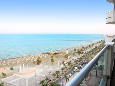 Photo for 3b Luxury Seafront w/ pool &gym - Finikoudes Beach