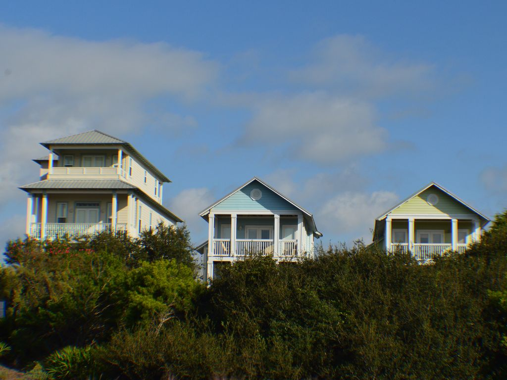 Beautiful gulf views in cottages of camp creek home for Cottages at camp creek