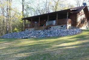Photo for 3BR House Vacation Rental in Trenton, South Carolina