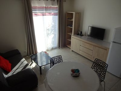 Photo for Beautiful 2 rooms, with air conditioning and Wifi, Sea View, Private parking. Beaches at 5 min.