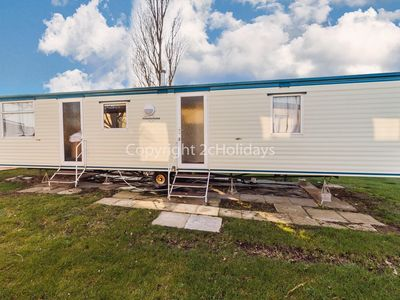 Photo for 8 berth caravan to hire at California Cliffs holiday park Norfolk ref 50022