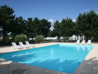 Photo for Quiet, Beach, swimming pool, garden 30min from Lisbon