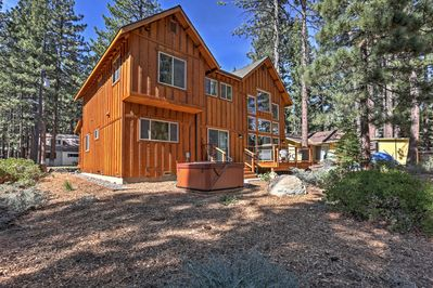 Escape to this lovely South Lake Tahoe vacation rental home for a fun stay!
