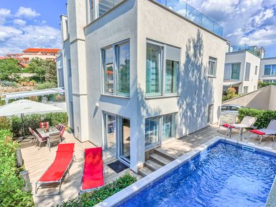 Photo for Modern HolidayVilla with Pool and Roof Terrace