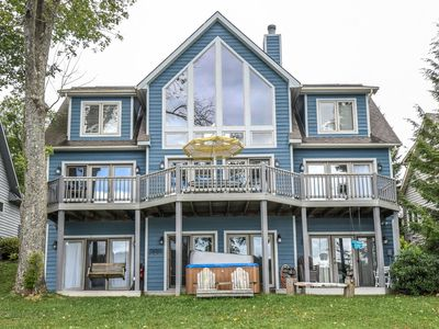 Incredible lakefront home with stunning views within minutes from Wisp!