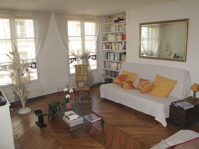 Photo for Lovely ancient flat in the heart of Paris