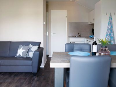 Photo for Vacation home Veluwelounge 4p in Voorthuizen - 4 persons, 2 bedrooms