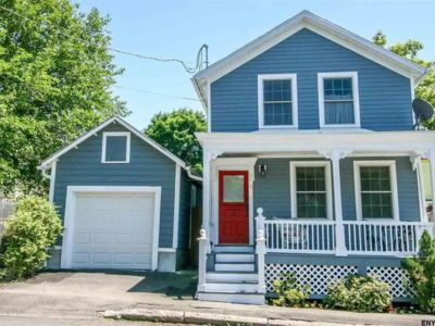 Photo for Bungalow Hudson - cozy 3 BR house with huge garden - steps from Warren Street!