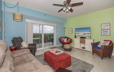 Photo for Enjoy some sunshine and waves in this beautiful 3 bed 2 bath condo. OW7-403