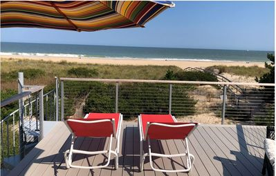 FREE DAILY ACTIVITIES! Beautifully decorated and charming oceanfront 4 bedroom plus loft, 4.5 bath house features two master suites with bathrooms.