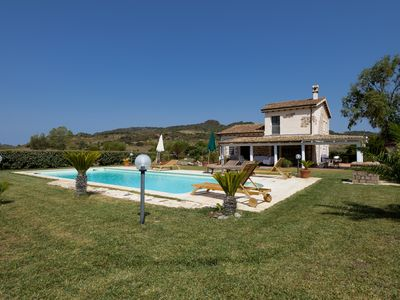 Photo for EXCLUSIVE VILLA WITH PRIVATE POOL AND JACUZZI IDROMASSAGGIO-ALGHERO