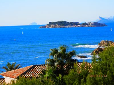 Photo for PROMOTION Maisonette, above the beach, fenced garden, stunning views