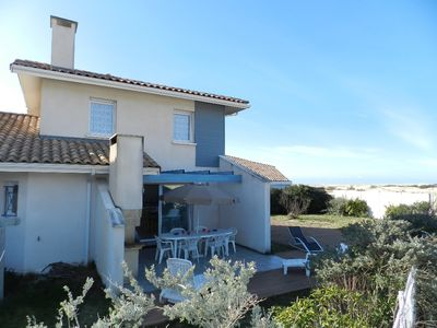 Photo for 4 bedrooms villa on the edge of dunes