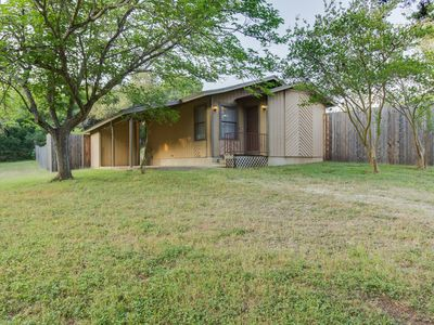 Photo for 1BR Cottage Overlooking beautiful Texas creek bed