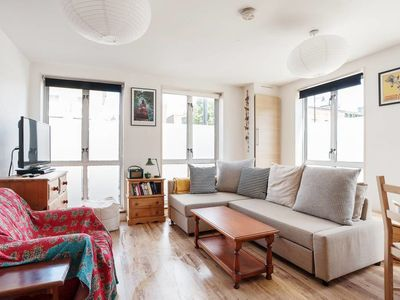 Photo for Quirky 1Bed Sleeps 4, 10 mins to Mile End Tube