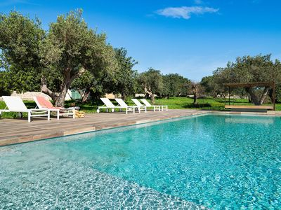 Photo for Private villa in the countryside with pool, near Scicli