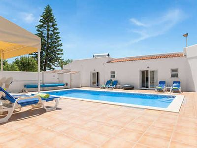 Photo for Detached villa complete with iPod dock & pool table, well situated near popular resort