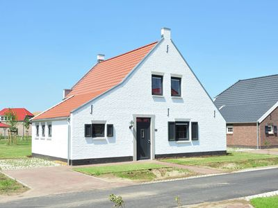 Photo for Comfortable farmhouse villa with PlayStation in Limburg