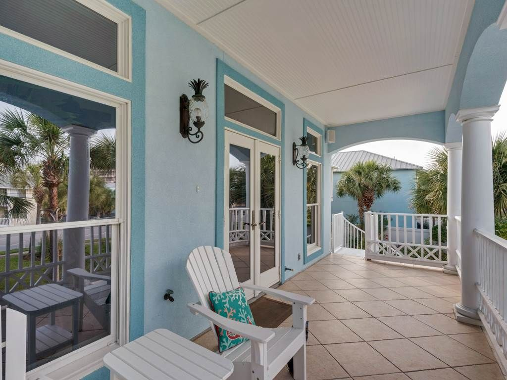 Luxurious 4 Bedroom Beach Home - BOOK NOW and COME SEE US AT THE BEACH IN 2018!