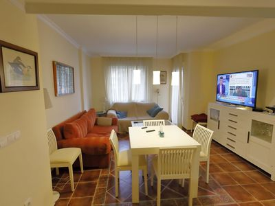 Photo for Renovated apartment close to the Paseo beach and town center, AC, Wifi