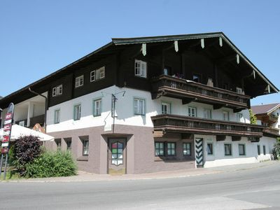 Photo for Cozy apartment for 16 people, 500 meters from the ski resort, Kirchberg