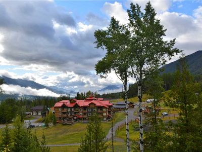 Photo for 1-bedroom ski-in/ski-out condo with mountain views