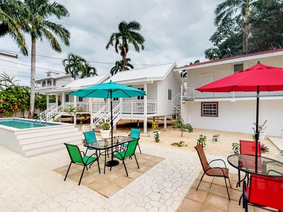 Photo for Clean oceanfront bungalow w/ shared pool, air conditioning - beach nearby!