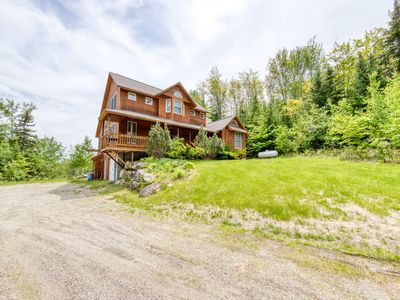 Photo for Grand cabin with gorgeous views, perfect for big families!