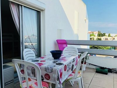 Photo for 2 rooms / Modern cabin - air conditioning - sleeps 6 - swimming pool