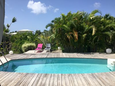 Photo for Charming villa with pool in Saint François