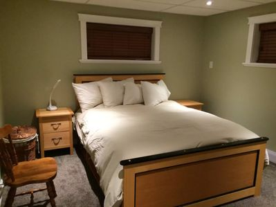 custom made bedroom furniture, queen bed, top quality linens