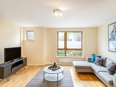 Photo for Stunning 3 Bed House w/Patio nr Brixton