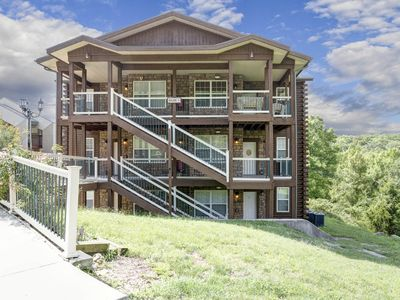 Photo for Gorgeous Views with large deck!  Next to Silver Dollar City!!