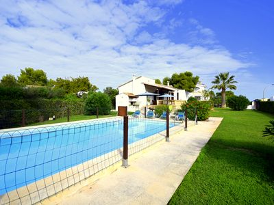 Photo for Just 200 meters to the sandy beach, 5x10m pool, great garden with lawn