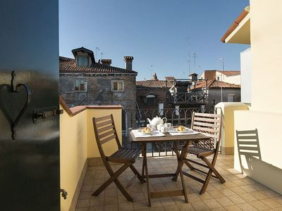 Photo for Aparment in the heart of Venice, ideally situaded for visiting the city