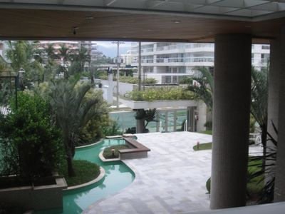 Photo for Ample apartment, Unforgettable front view of the beach, 4 suites, 3 garages