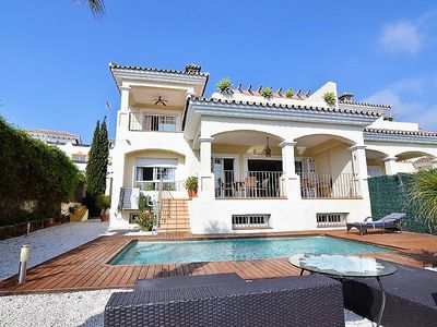 Photo for Beautiful villa with views!