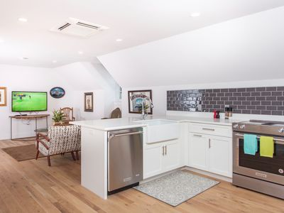 Photo for 3Bed/2Bath Modern Oasis in the Heart of History