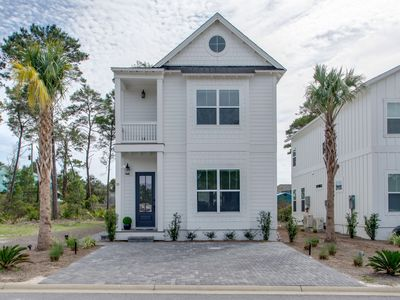 "Photo for ""SEA""-renity Now! Stunning Beach House Close to the Beach and 30A"