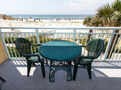 BALCONY - Lunch on the patio ?