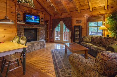 """Water's Edge living area--47"""" flat screen TV, Blu-Ray player, 80 movie library"""