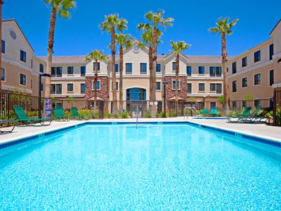 Photo for Free Breakfast. Outdoor Pool & Hot Tub. Near Edwards Air Force Base! Your Next Trip!