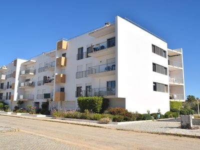 Photo for Nice 2 bedroom apartment only 400m from meia Praia and Lagos Marina.
