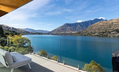 Photo for Lake Life Queenstown-Stunning Views in Queenstown